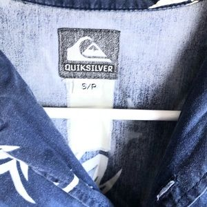Men's button shirt small Quiksilver